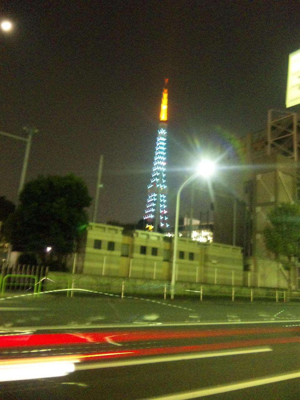 今日は青い東京タワー